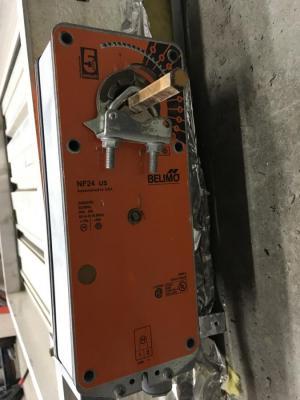 moteur de louvre<br/>moteur de louvre 24 volts ac-dc<br/><br/>voir  louvre motorise
